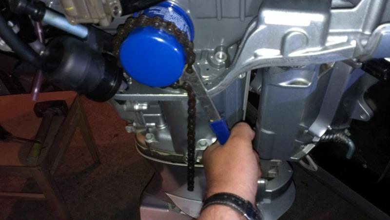 Замена масла на подвесном лодочном моторе хонда