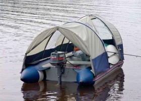 Tents_to_boats_Yamaran.jpg