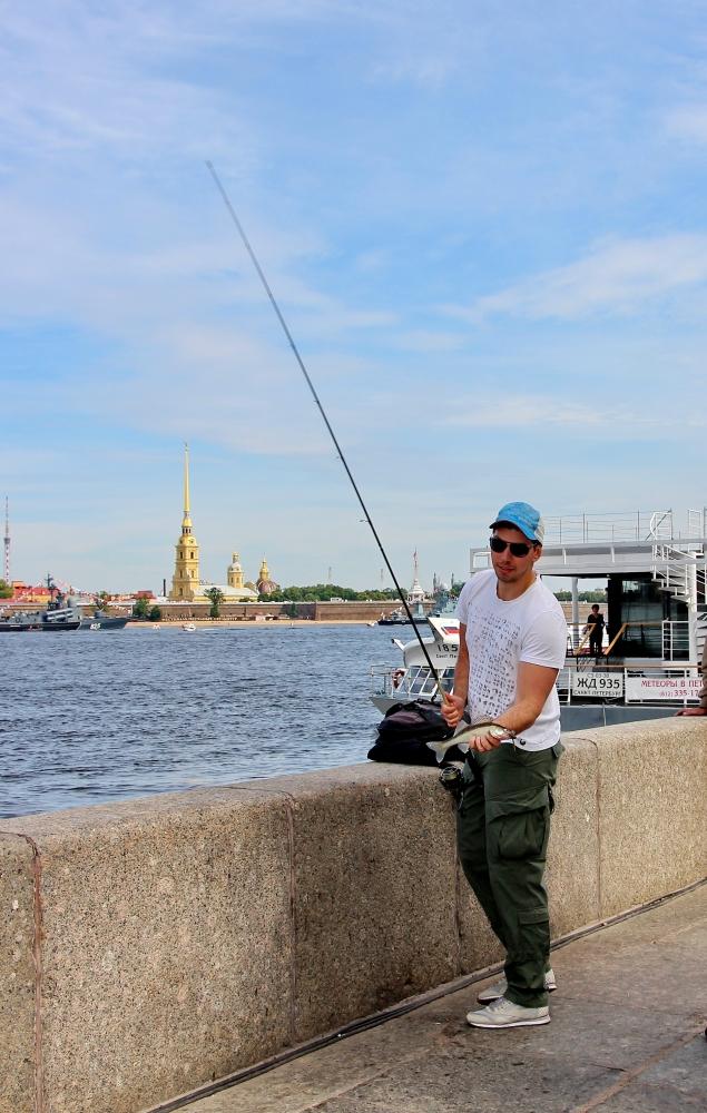 рыбалка на неве в черте города на что